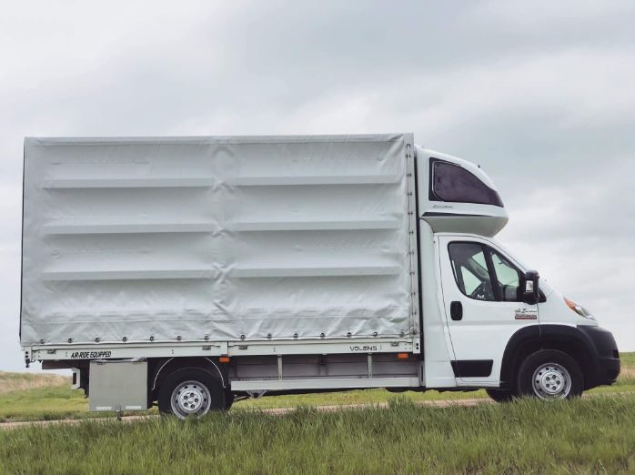 Looking for O/O Curtain Box trucks! в Майами